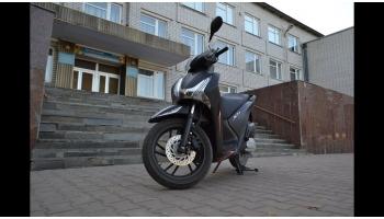 Права на скутер 150 кубов: получение и штрафы