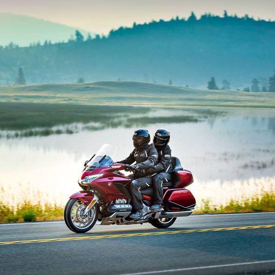 Лучшие мотоциклы для путешествий вдвоем